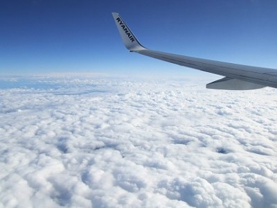 Při letu nad mraku