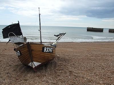 Loď na páži v Hastings