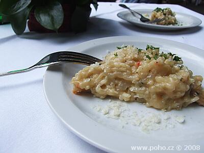 Risotto s hříbky a lanýžovým olejem'